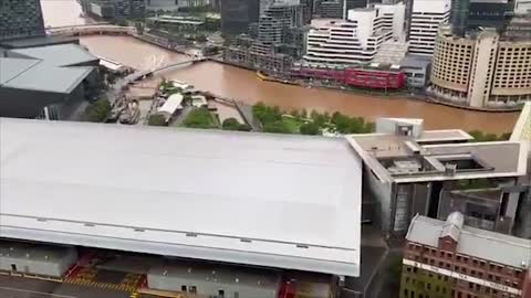 Australia: Dust Storm Strikes Melbourne Turns Everything ...